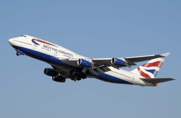 Beoing 747-400 british airways https://en.wikipedia.org/wiki/Boeing_747#/media/File:Ba_b747-400_g-bnle_arp.jpg
