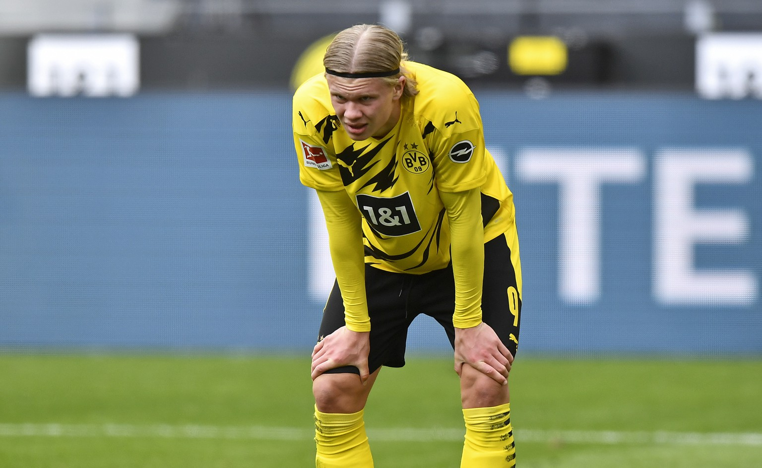 Dortmund's Erling Haaland reacts disappointed during the German Bundesliga soccer match between Borussia Dortmund and Eintracht Frankfurt in Dortmund, Germany, Saturday, April 3, 2021. (AP Photo/Martin Meissner, Pool)